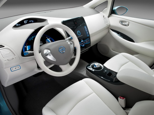 Nissan-Leaf-interno
