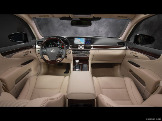 lexus-ls-green-mobility-rental-06