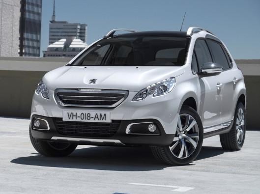 2014-Peugeot-2008-Front-Angle noleggio a lungo termine