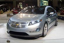 Consumi ridotti del 70% con un'auto ibrida plug-in