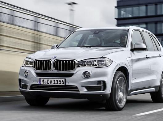 BMW X5 xDrive40e a noleggio a lungo termine è un'ibrida con batterie ricaricabili che non rinuncia alla potenza.