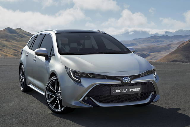 toyota-corolla-touring-sports-2018-09_2