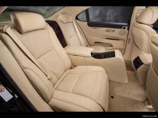 lexus-ls-green-mobility-rental-11