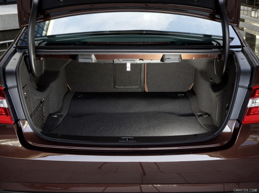 mercedes-e-green-mobility-rental-03