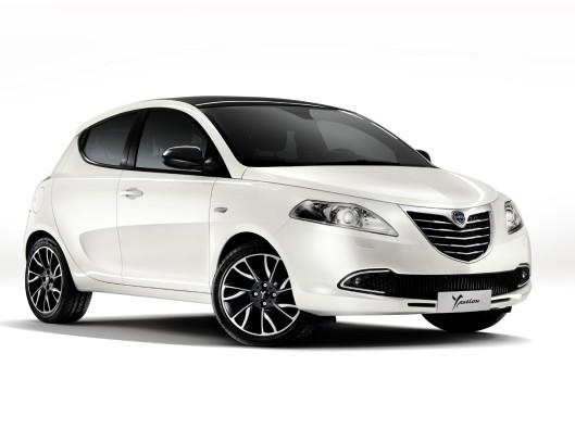 Lancia-Ypsilon-2012 noleggio a uto a lungo termine