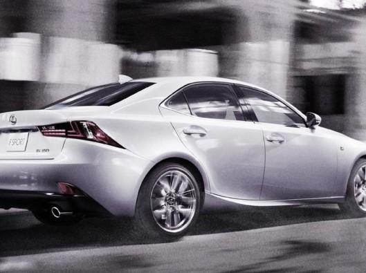 lexus is noleggio auto a lungo termine