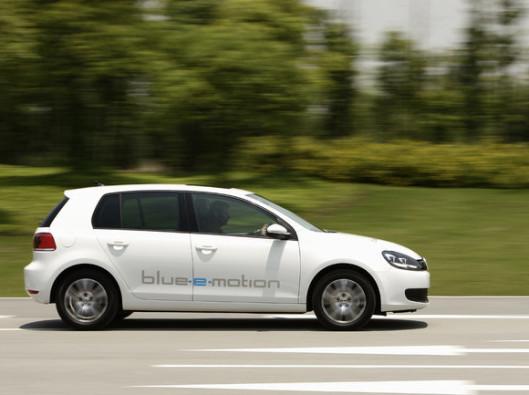 volkswagen-golf-blue-e-motion_4 ELETTRICA E-GOLF - NOLEGGIO A LUNGO TERMINE