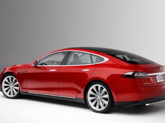 2013-Tesla-Model-S-a noleggio a lungo termine