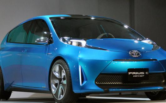 2017-Toyota-Prius-C-noleggio lungo termine