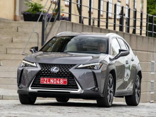 Lexus UX Hybrid noleggio lungo termine