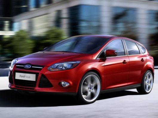 Ford Focus ibrido a noleggio lungo termine