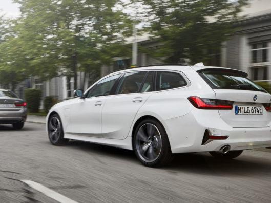 BMW-Serie-3-Touring-ibrida-plug-noleggio lungo termine